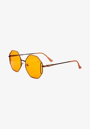 Solglasögon - dark brown