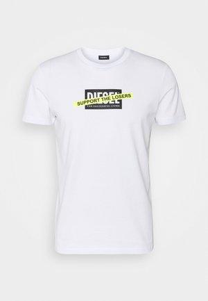 T-DIEGOS-A3 MAGLIETTA - Camiseta estampada - white