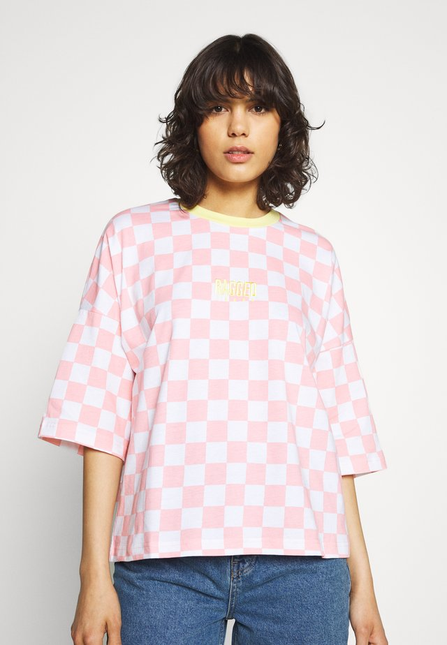 PUNKED TEE - T-shirt print - pink/white