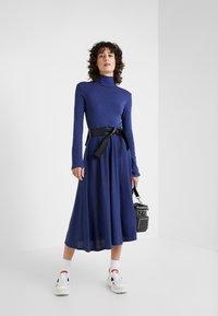 MAX&Co. - DRENARE - Sukienka dzianinowa - blue - 1