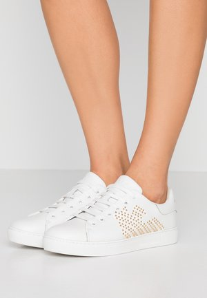 MARIE - Sneakers laag - white/gold
