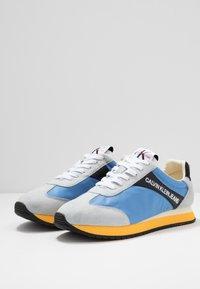 Calvin Klein Jeans - JERROLD - Sneakers - multicolor/silver lake blue - 2
