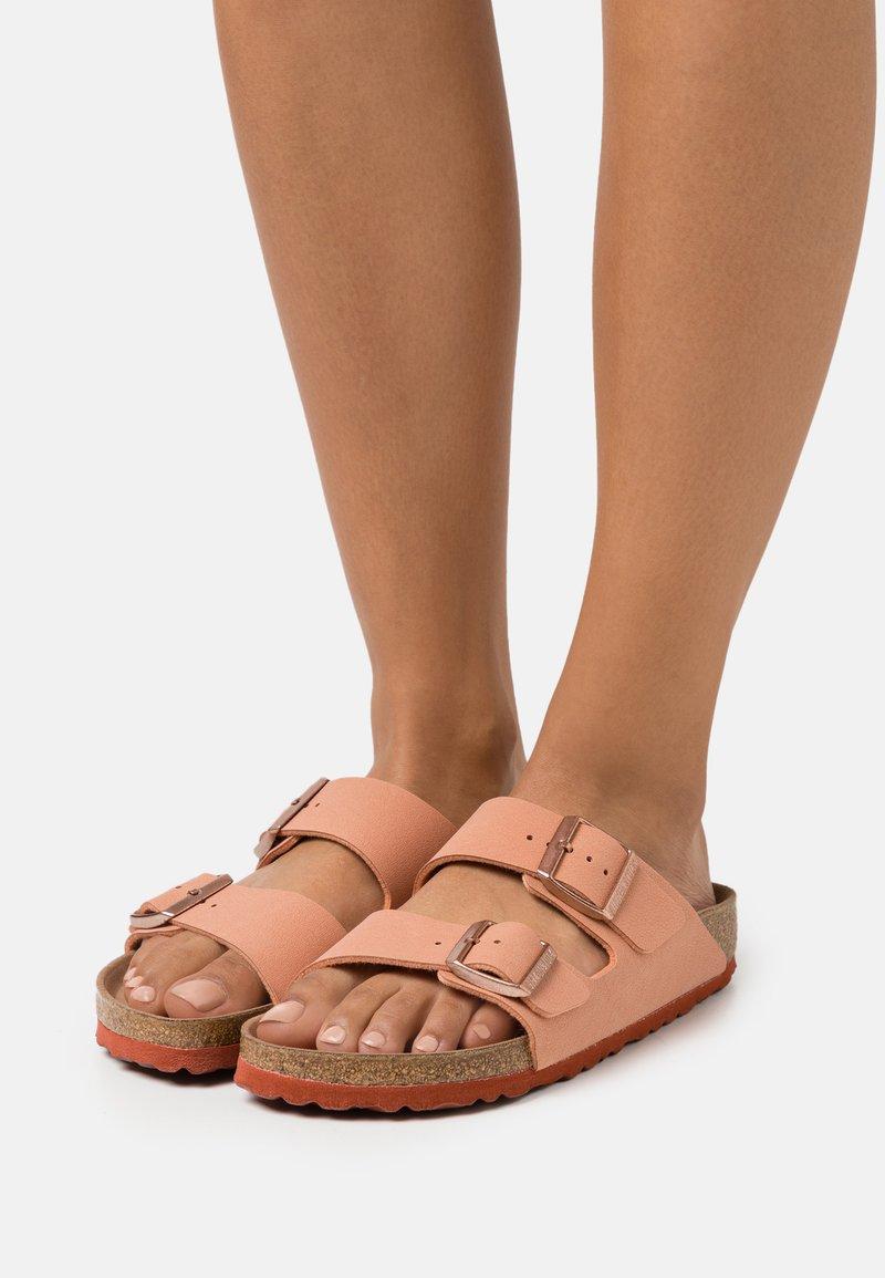 Birkenstock - ARIZONA EARTHY VEGAN - Pantofle - faded rust