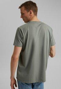 Esprit - Basic T-shirt - light khaki - 2