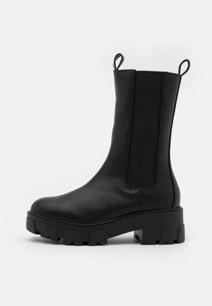 ELLERY - Platåstøvler - black