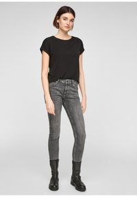 Q/S designed by - Basic T-shirt - black - 1