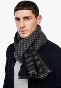 s.Oliver - Scarf - black check - 2