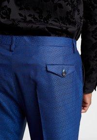 Twisted Tailor - REGAN SUIT PLUS - Suit - blue - 8