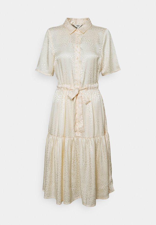 OBJYALANDA DRESS  - Shirt dress - sandshell