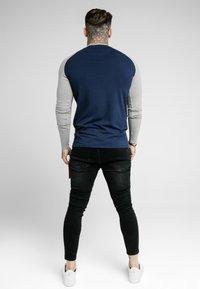 SIKSILK - SQUARE HEM TEE - Camiseta de manga larga - grey/navy - 2