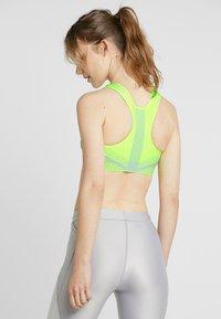 Nike Performance - FE/NOM FLYKNIT BRA - Medium support sports bra - volt/pure platinum - 2