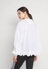 adidas Originals - BLOUSON - Blusa - white - 2