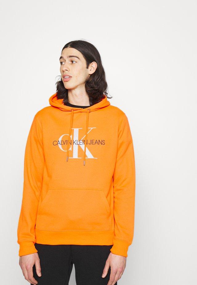MONOGRAM HOODIE - Hoodie - shocking orange