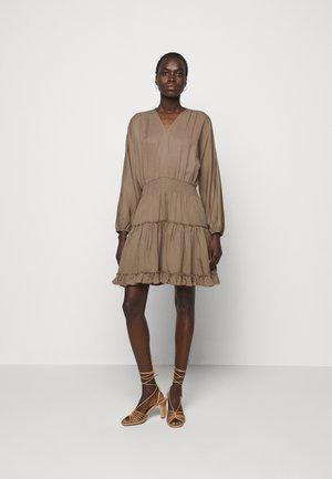 LAUREN SUMMER TUNIC - Denimové šaty - safari