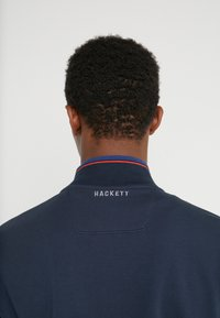 Hackett Aston Martin Racing - TRACK TOP - Felpa aperta - navy - 3