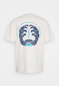 Edwin - MONDOKORO UNISEX - Print T-shirt - whisper white - 7