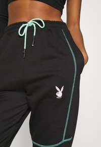 Missguided - PLAYBOY CONTRAST STITCH - Pantalones deportivos - black - 5