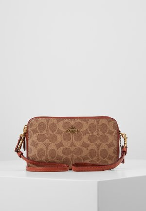 COLORBLOCK COATED SIGNATURE KIRA CROSSBODY - Torba na ramię - tan rust