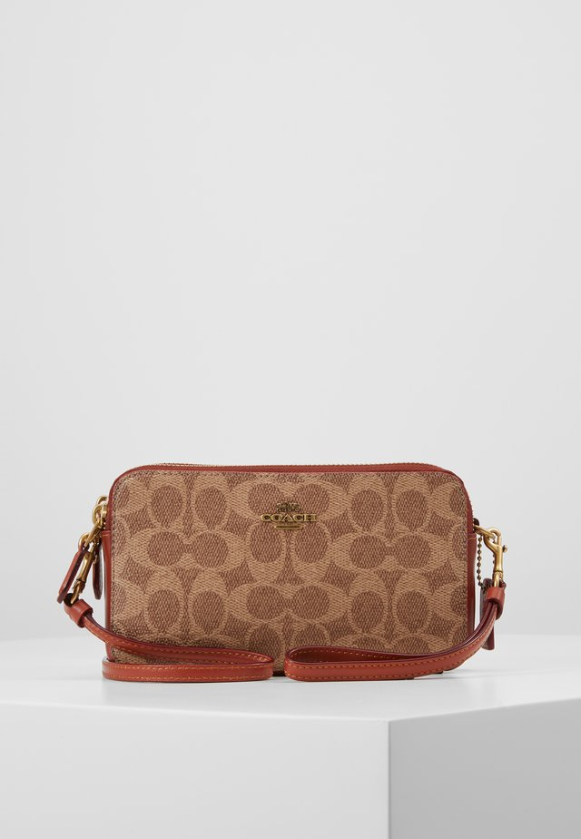 COLORBLOCK COATED SIGNATURE KIRA CROSSBODY - Schoudertas - tan rust