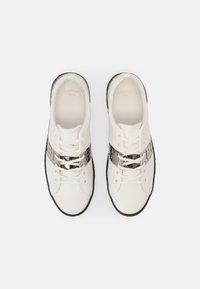Ed Hardy - STRIPE TOP METALLIC - Sneakers basse - white/gunmetal - 3