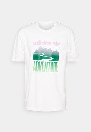 MOUNT TEE - Print T-shirt - white
