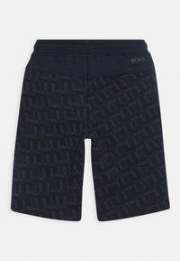 BOSS Kidswear - BERMUDA - Teplákové kalhoty - navy - 1