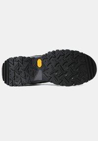 The North Face - M HEDGEHOG FUTURELIGHT (EU) - Baskets basses - tnf black/zinc grey - 4