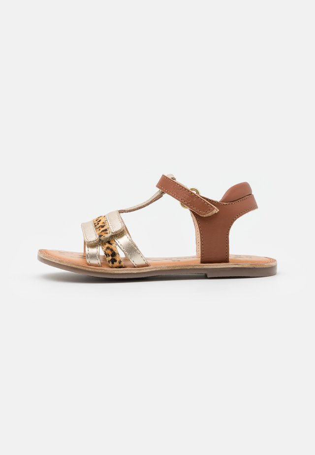 DIAMANTO - Sandals - or/camel