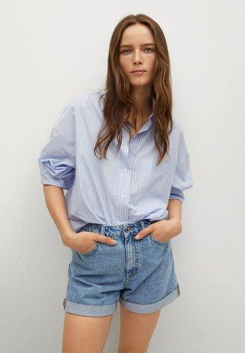 MOM - Shorts di jeans - middenblauw
