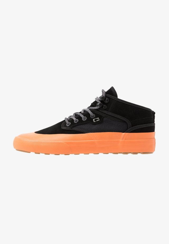 MOTLEY MID - Skate shoes - black/orange/mudguard