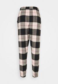Hunkemöller - PANT CHECK CUFF - Pyjama bottoms - black - 1