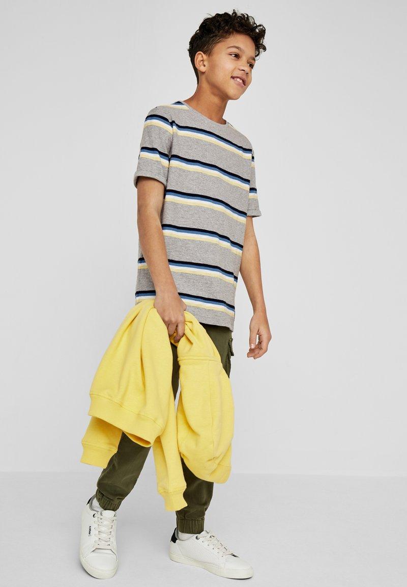 s.Oliver - Print T-shirt - grey melange stripes