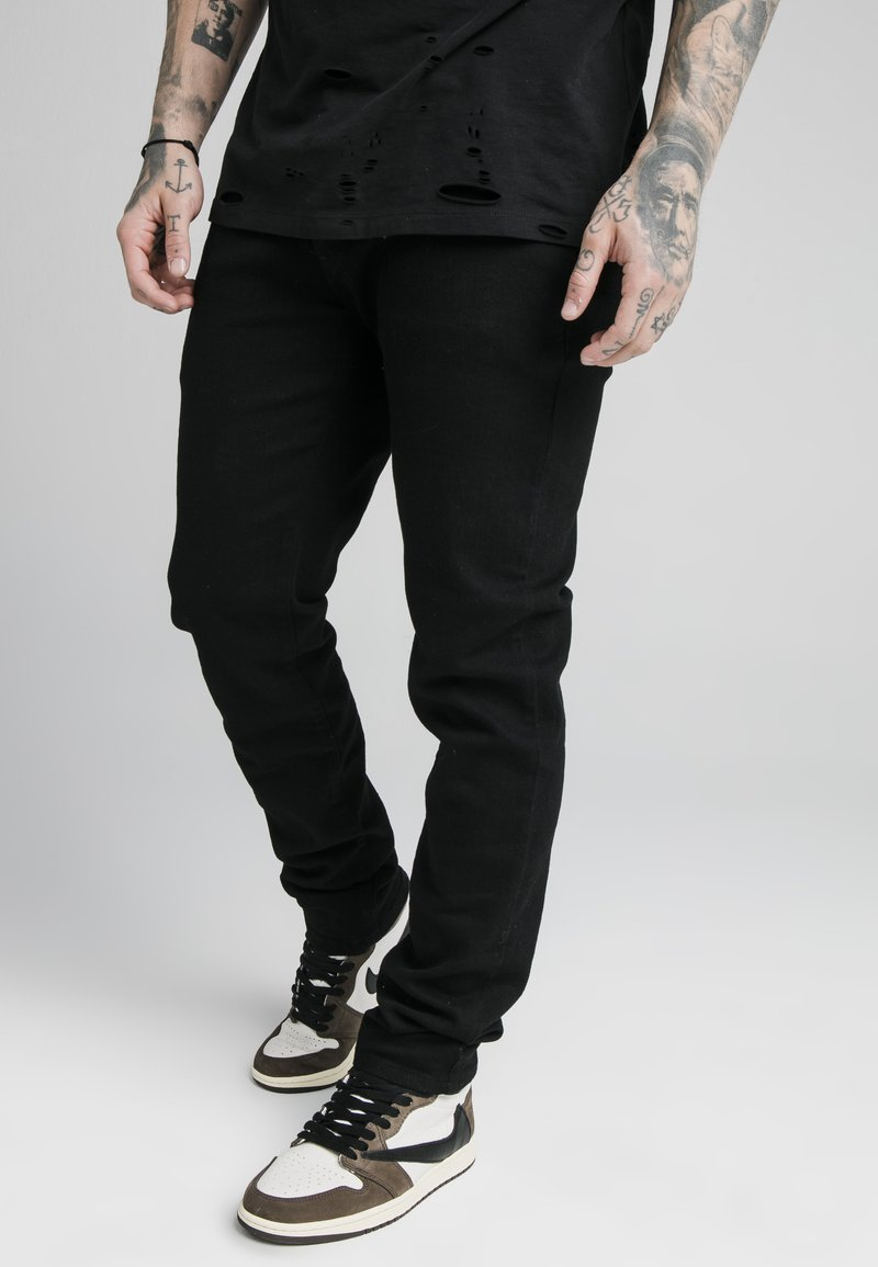 SIKSILK - Relaxed fit jeans - black