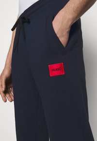 HUGO - DOAK - Teplákové kalhoty - dark blue - 4