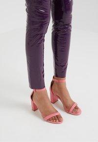 Pinko - TANDEMPANTALONE LATTICE - Kalhoty - purple - 4