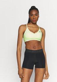 Nike Performance - INDY BRA - Sujetadores deportivos con sujeción ligera - barely volt/black - 0