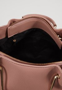 Dorothy Perkins - HANDLE MINI TOTE - Håndtasker - blush - 4