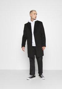 Santa Cruz - OTHER JAPANESE DOT HOODIE UNISEX - Sweatshirt - white - 1