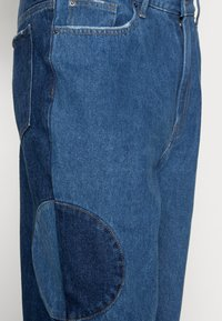 Jaded London - BLUE YIN AND YANG CUT AND SEW - Jeans relaxed fit - blue - 4