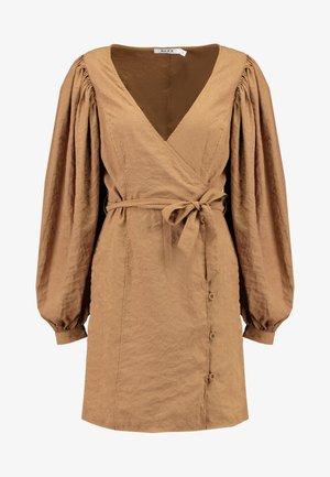 PUFF SLEEVE TIE WAIST DRESS - Denní šaty - beige