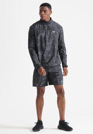 RUN TRACK - Shorts - black tie dye