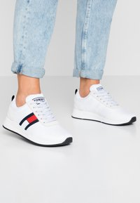 Tommy Jeans - Trainers - white - 0