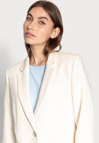 Selected Femme - SLFRITA CLASSIC BLAZER - Blazer - birch - 3
