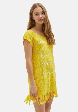 Beach accessory - yellow