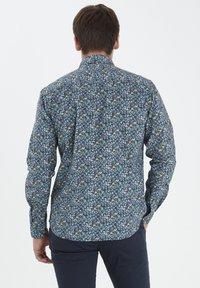 Tailored Originals - TORAERS - Camisa - insignia b - 2