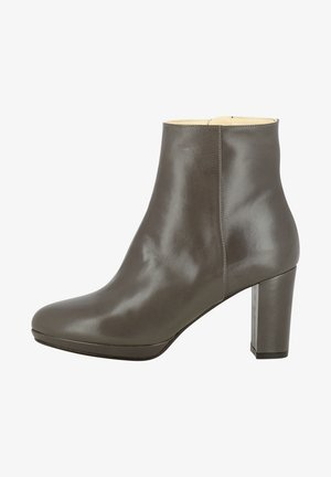 High heeled ankle boots - fango