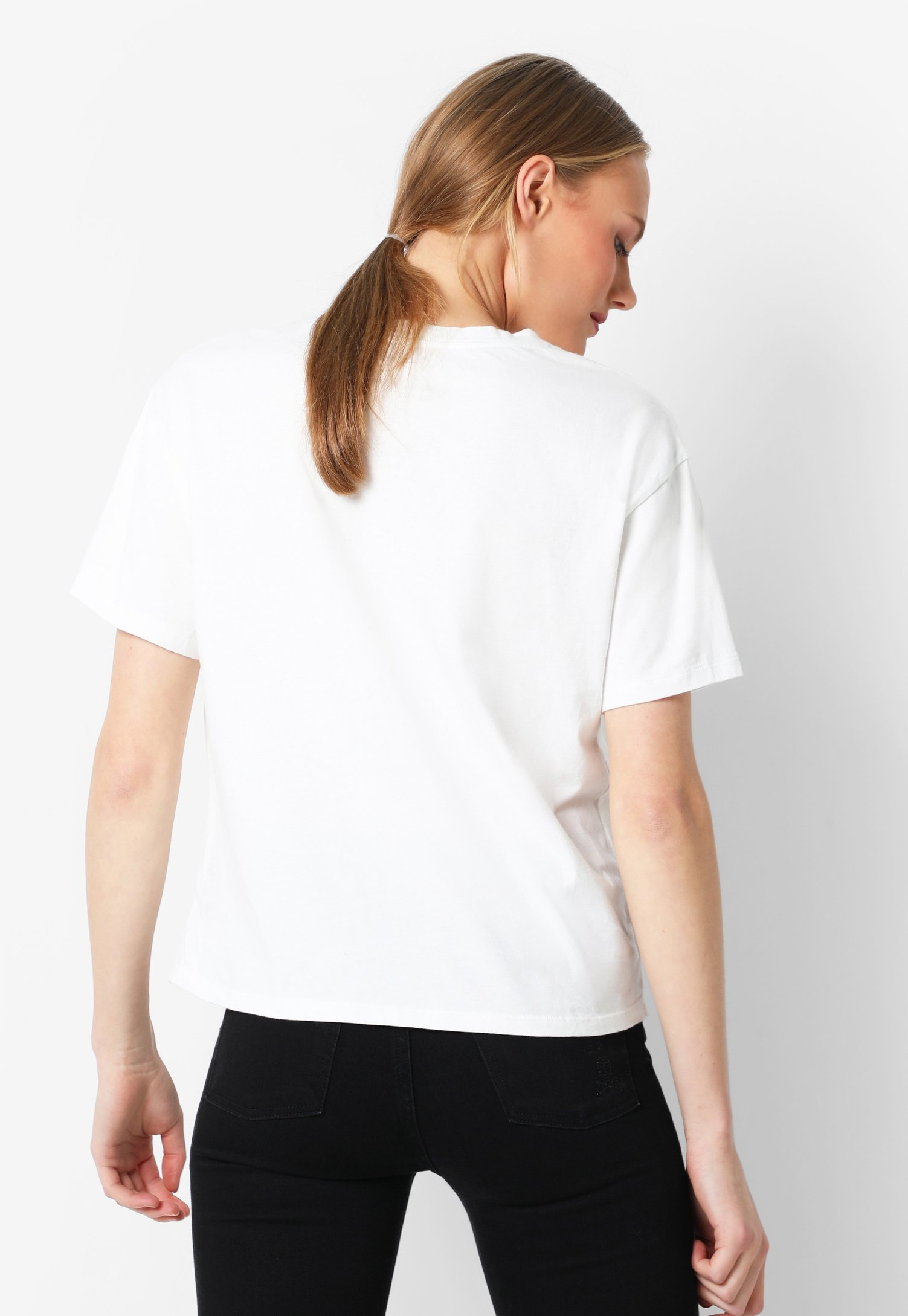 Scalpers Skull With Studs - T-shirt Imprimé White