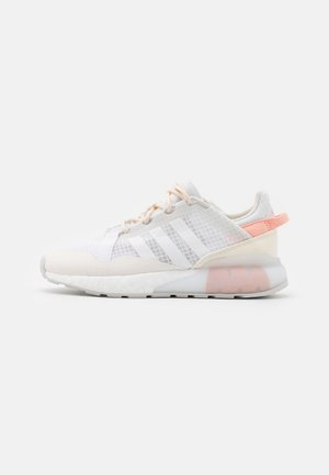 ZX 2K BOOST PURE  - Trainers - core white/grey one/chalk white