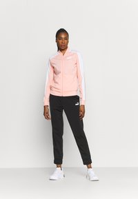 Puma - BASEBALL TRICOT SUIT SET - Survêtement - apricot blush - 1