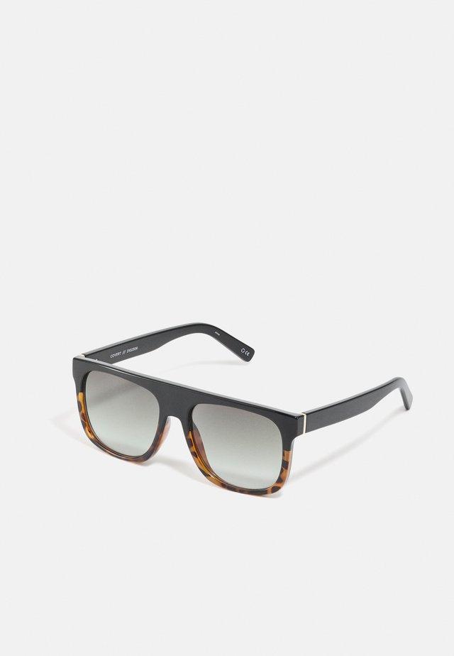 COVERT - Sunglasses - black tort splice